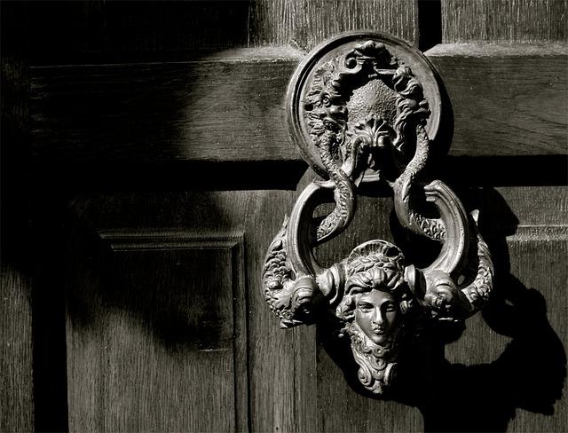 悪魔のドア